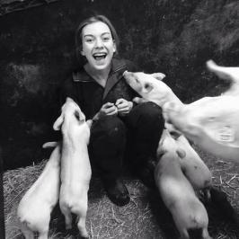 01-3-emily-piglets.jpg